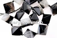 Natural agate, druzy quartz , black - white, 3D square, 23mm