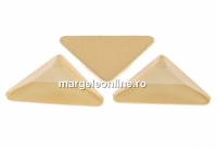 Swarovski, cabochon triangle gamma, ivory cream, 10mm - x1