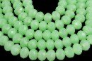 Margele cristal, rondela fatetata, verde opac, 8mm